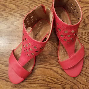 Comfortview Coral Sandals with back zipper